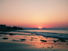 sunset-on-the-beach-3550321_960_720