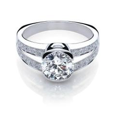 anillo-de-pedida-de-mano-en-diamantes-e1529347245324